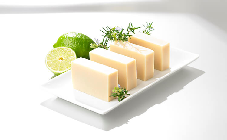 Omega Fresh Moist Soap Lime & Bergamot